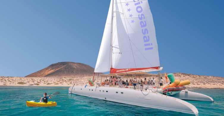 Lanzarote: 6-Hour Sailing Trip to La Graciosa