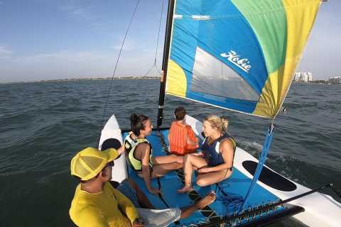 Cartagena: 1-Hour Sailboat Class for Family and Friends