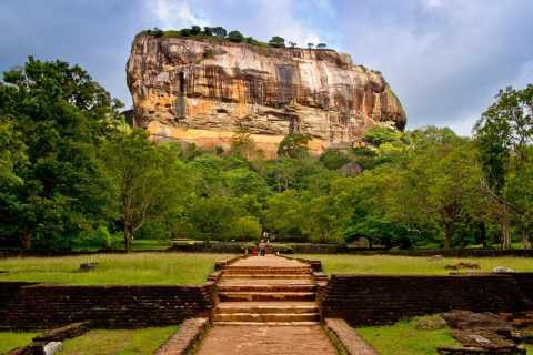 From Bentota: Day Trip to Sigiriya and Dambulla Temple