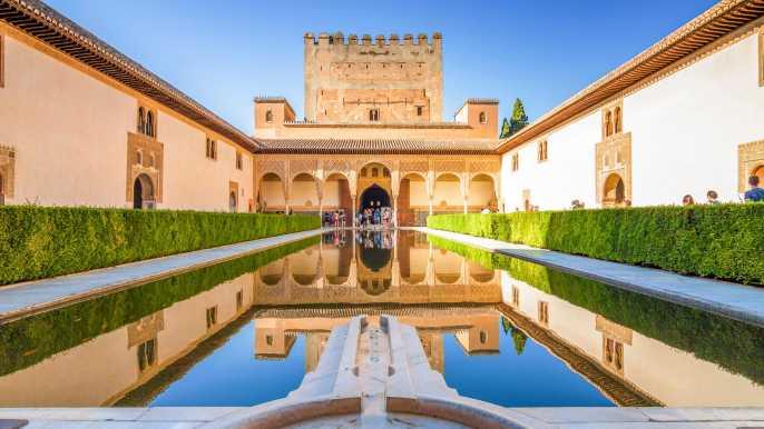 Granada: Alhambra, Generalife & Albaicin Private Tour