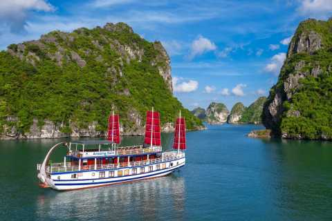 Hanoi: Full-Day Luxury Ha Long Bay Cruise with Meals