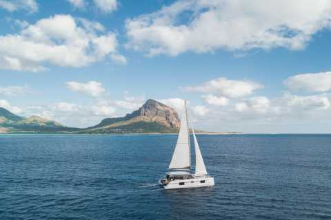 Mauritius: Overnight Catamaran Cruise along the West Coast