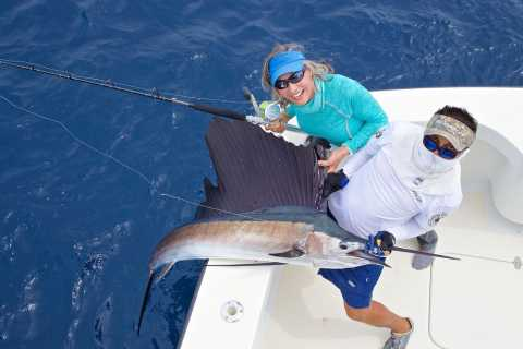 Cancun: Luxury Fishing Experience
