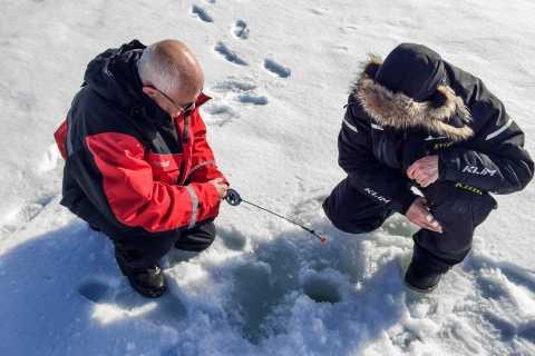 Rovaniemi: Ice Fishing & Snowmobile Safari Combo Day