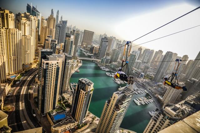 Dubai: tokkelbaan over de Marina