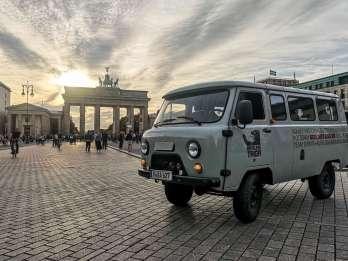 Berlin: Private Sowjet-Tour im russischen Minibus