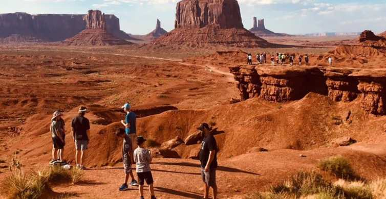 Monument Valley: 2.5-Hour Tour with Backcountry Access