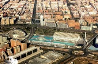 Entdecken Sie Valencia von Madrid aus mit dem Hochgeschwindigkeitszug und der Busreise