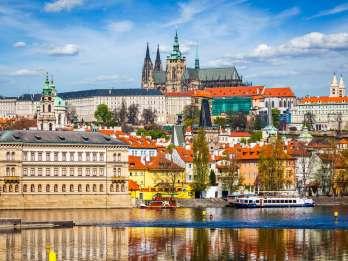 Prag: Ganztägige Tour und Bootsfahrt auf dem Fluss