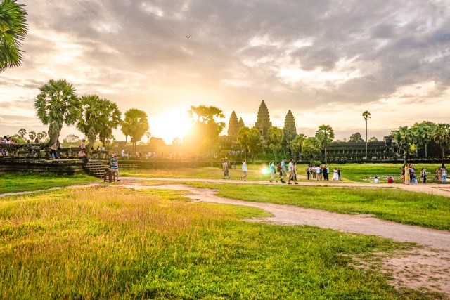 Angkor Wat: Sunrise Jeep Tour