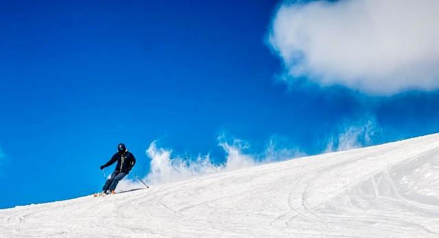 Van Yerevan: Ski Day in Tsaghkadzor en Lake Sevan