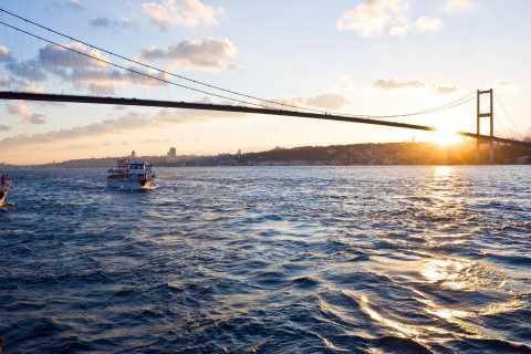 Istanbul: Full-Day Bosphorus Cruise and Shopping Tour