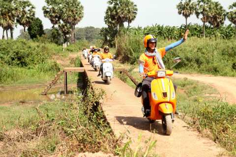 Siem Reap: 4.5-Hour Countryside Vespa Excursion