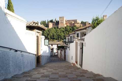 Granada: Albaicin and Sacromonte Sightseeing Tour