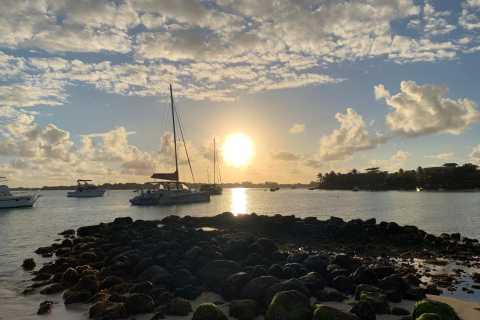 Grand Baie: cocktail e crociera in catamarano al tramonto