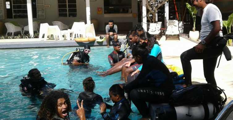 Tamarin Bay: Beginners Scuba Diving Experience
