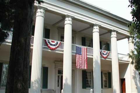 Nashville: Historic Mansions & Gardens Tour