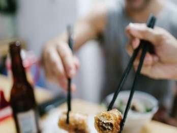 Hanoi: Street Food-Rundgang am Abend in kleiner Gruppe