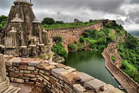 Udaipur: Fortaleza Chittorgarh sin colas y complementos opcionales