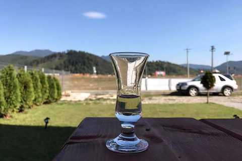 Brasov: Guided Distillery Day Trip to Rasnov