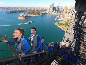 Sydney Harbour: BridgeClimb bei Tag / Dämmerung / Abend
