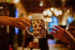 Munique: Uma Noite de Cerveja e Gastronomia da Baviera