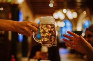 München: Ein Abend der bayerischen Bier- und Esskultur