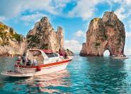 Von Sorrento: Ausflug mit dem kleinen Gruppenboot zur Insel Capri