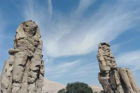 Luxor: West Bank Sightseeing Tour and Light Show