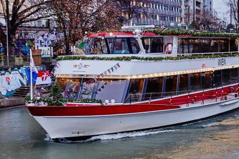 Vienna: tour in barca natalizia viennese