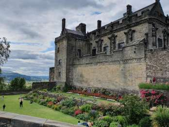 Ab Edinburgh: Stirling Castle, Loch Lomond und Whisky-Tour
