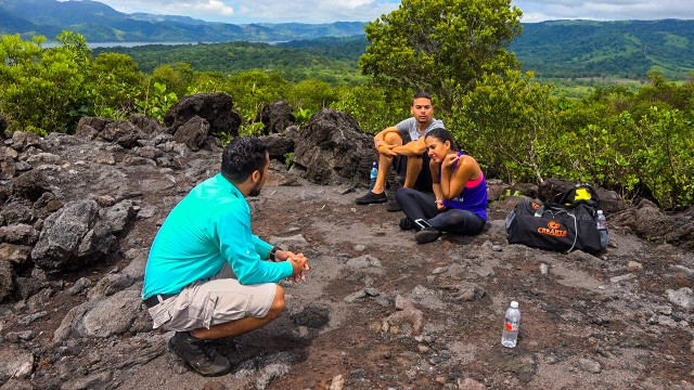 Van Jaco: Arenal Volcano Hike and Hot Springs Visit
