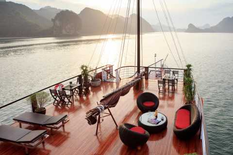 From Hanoi: Halong-Lan Ha Bay Cruise with Lunch and Kayaking