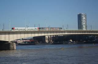Köln: Ost-West-Rundgang und KölnTriangle