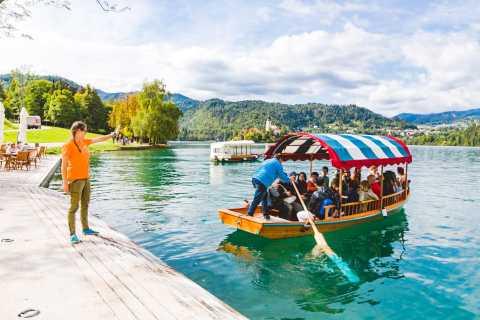 Liubliana o Bled: excursión a lago Bled y cueva de Postoina