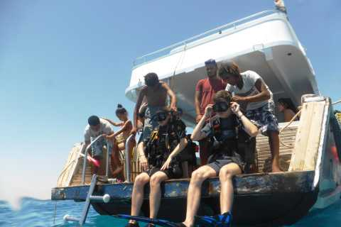 From Hurghada Area: Wreck and Reef Diving Trip