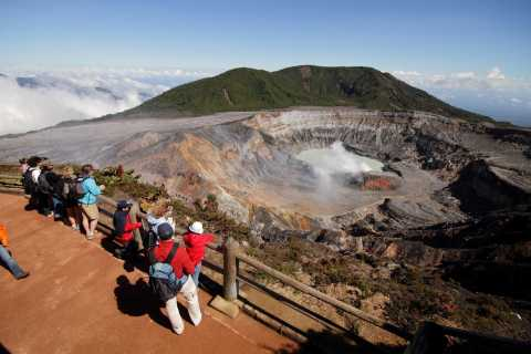 From Jaco: Doka, Poas Volcano and La Paz Waterfalls Day Tour