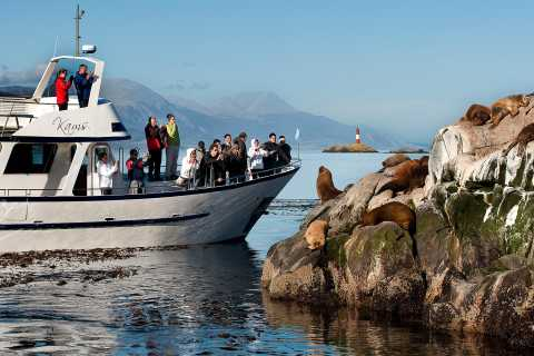 Ushuaia: Beagle Channel Boat Tour and Bridges Island Trek