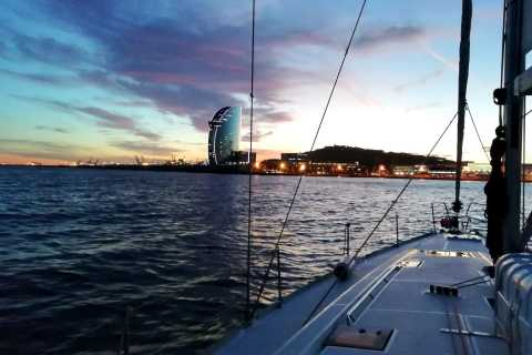 Barcelona: Luxury Private Sunset Yacht Cruise