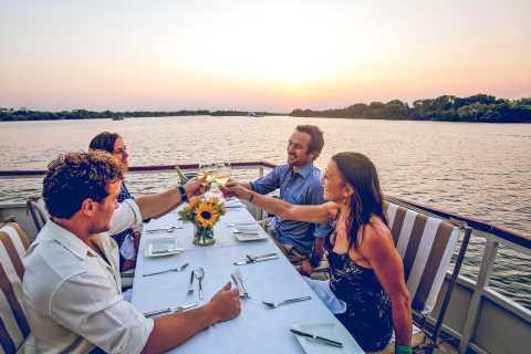 Victoria Falls: Sunset Dinner Cruise