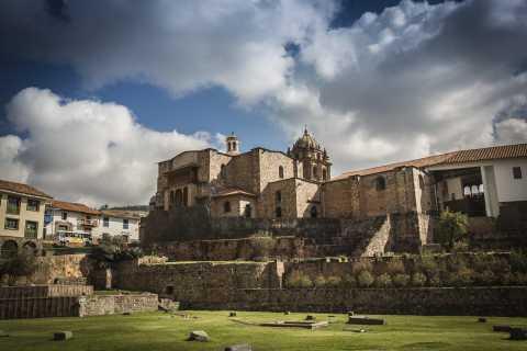 Cusco: San Pedro Market and Ruins Half-day Tour