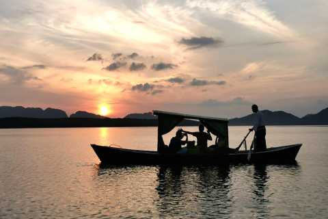 Ko Lanta: Romantic Sunrise Gondola Tour at Tung Yee Peng