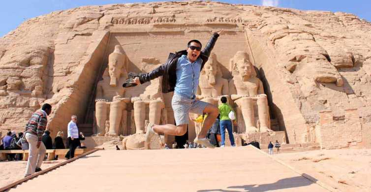 From Aswan: Abu Simbel Temples Tour with Egyptologist Guide