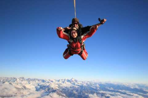 Mount Cook: 15,000-Foot Tandem Skydiving Experience
