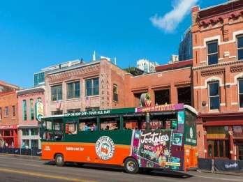 Nashville: Hop-On/Hop-Off-Trolley-Tour