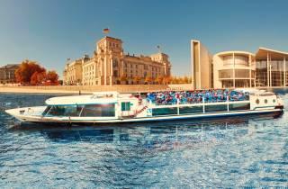 Berlin: Stadtrundfahrt per Boot mit Sitzplatzgarantie
