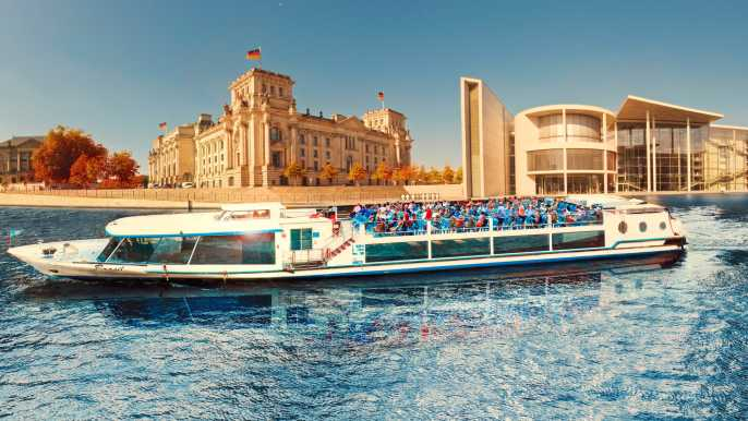 1-Hour City Tour by Boat with Guaranteed Seating