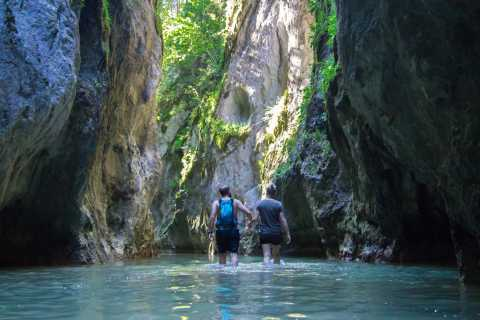 From Iasi: Hiking Day Trip to Bicaz & Hasmas National Park