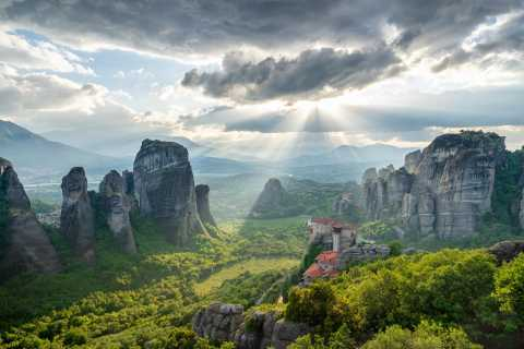 From Athens: All-day Meteora Photo Tour