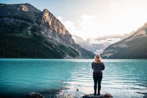 Banff: Lake Louise & Moraine Lake Evening Tour with Dinner